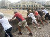 Lancés en 2013 à Biarritz, les Chemins de la Forme constituent une des premières initiatives françaises en matière d'utilisation des outils d'aménagement urbain pour favoriser l'activité physique. Retour d'expérience d'un projet qui fait des émules.